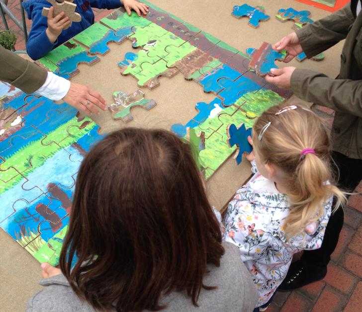 Puzzle des enfants de la garderie et des mercredis récréatifs