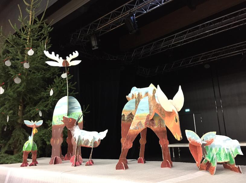 Le décor de Noël par Nelly et les enfants