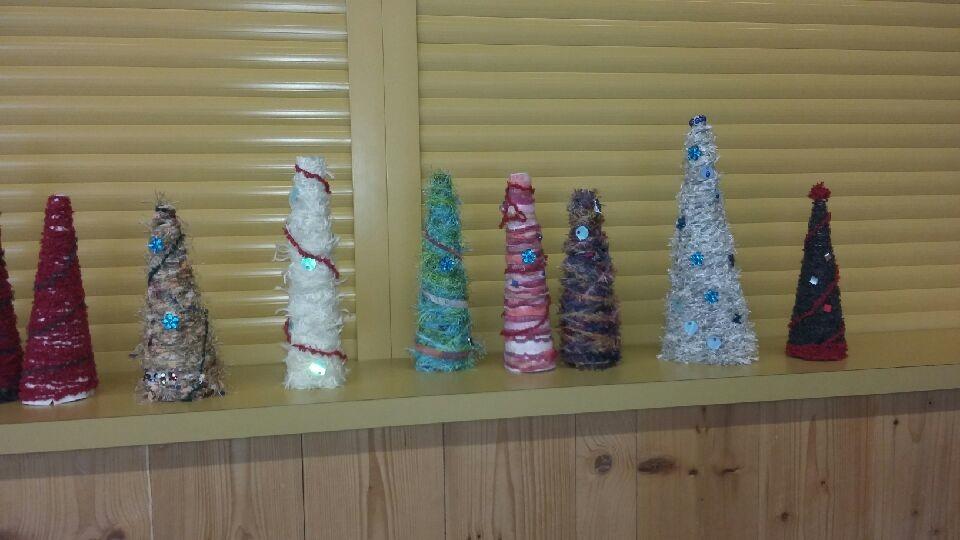 Sapins de Noël fabriqués par les grands 3